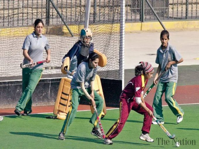 amna-ayesha-crush-women-hockey-1324354229