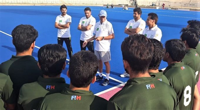 Oltmans starts working with Pak seniors